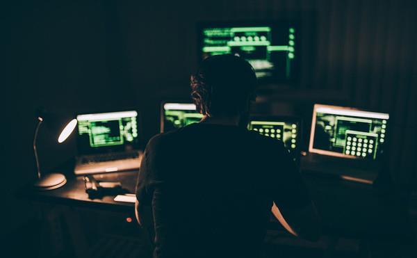 黑客的月收入能用多少?
